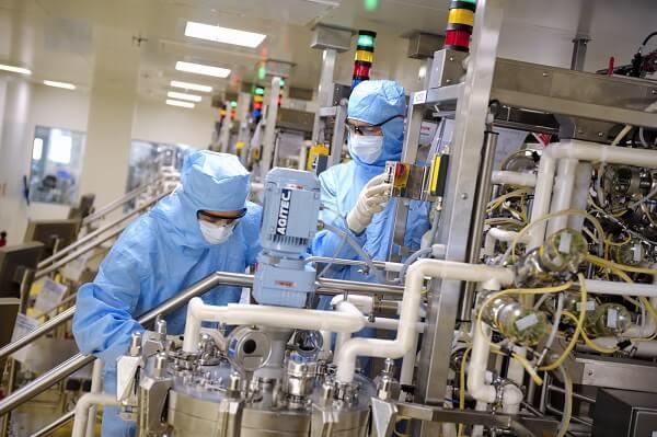 Điều kiện mua bán trang thiết bị y tế bao gồm các yếu tố về cơ sở vật chất và nguồn nhân lực trình độ cao